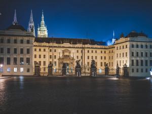 Pražský hrad bude v předvečer summitu NATO nasvícen modře