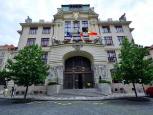 Pražský magistrát do konce roku propustí 160 lidí. Ušetří tím 180 milionů