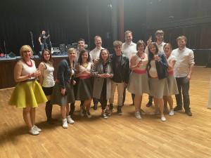 Pražští umělci spolu se skupinou Joyful nahráli písničku lidem pro radost