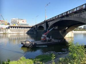Hlávkův most dostane nový povrch. Řidiče čeká dopravní omezení