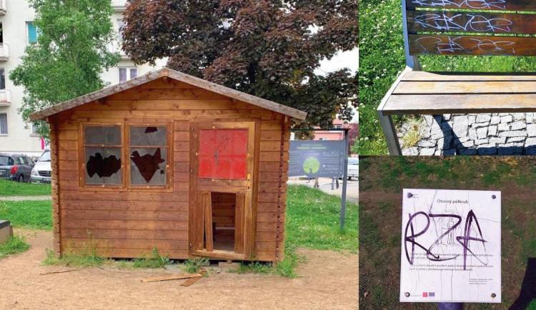 Vandalismus v parcích stojí Prahu 10 každoročně více než 160 tisíc korun