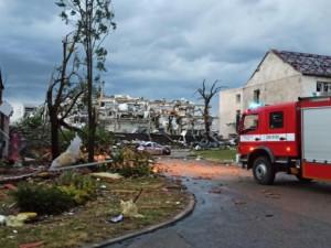 Jižní Moravu zasáhlo ničivé tornádo. Na pomoc do zasažených oblastí vyrazili také pražští hasiči