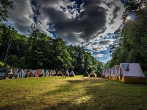 Praha nabízí dětem z obcí, které poničilo tornádo, místa na letních táborech zdarma