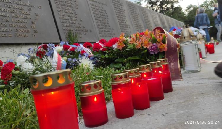 V Kobylisích si připomněli desítky popravených lidí z českého odboje
