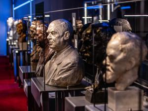 Expozice novodobých českých dějin se otevřela v Národním muzeu. Jde o největší výstavu svého druhu v Česku