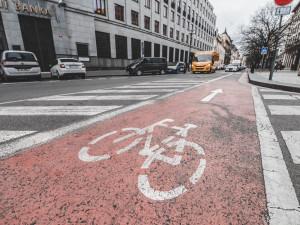 V Praze loni přibylo cyklistů. Sčítače napočítaly téměř 4,5 milionu průjezdů