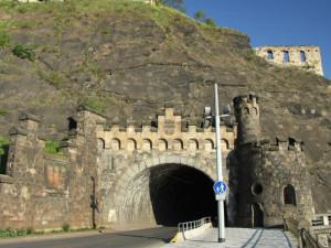 Vyšehradský tunel se uzavře pro auta i tramvaje. Cestující bude vozit loď