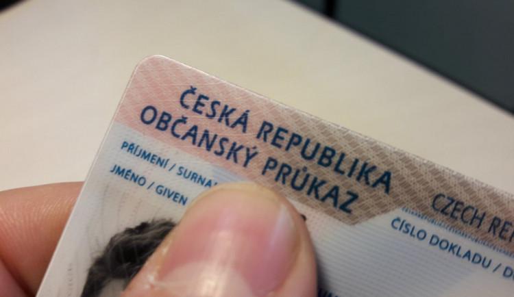 Úřady dnes začaly vydávat nové občanky s biometrickými údaji