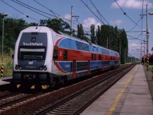 Pražské příměstské vlaky svezly loni o dvacet milionů lidí meziročně méně