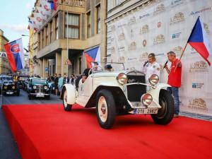 Závod veteránů vyhrál závodník s nejstarším autem na startovní listině, vozem Praga Alfa z roku 1922