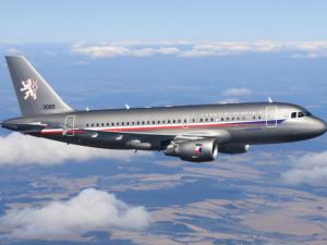 V Praze ráno přistálo první letadlo s evakuovanými Čechy a jejich spolupracovníky z Afghánistánu