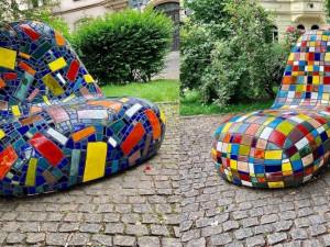 ANKETA: Má radnice mozaiková křesla vrátit, nebo odkoupit? Jedno stojí 350 tisíc korun