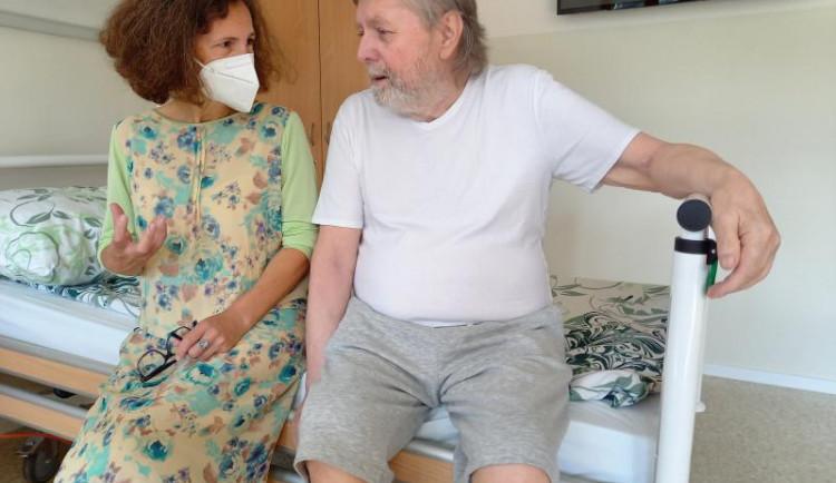 Centrum pro pacienty s postcovidovými obtížemi se otevře v pražské městské nemocnici