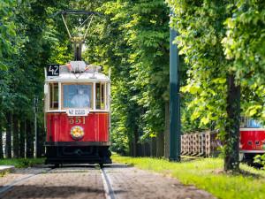 Historická tramvaj číslo 42 bude jezdit po celý rok. Je o ni velký zájem