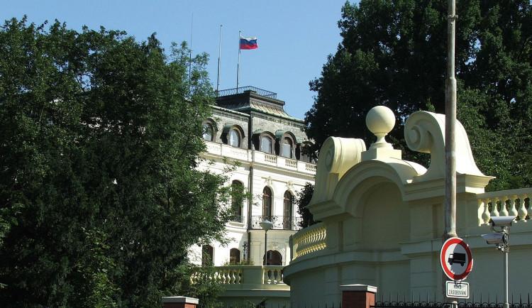 Co bude s ruskou školou v Dejvicích? Měla by se otevřít všem žákům, říká starosta Prahy 6