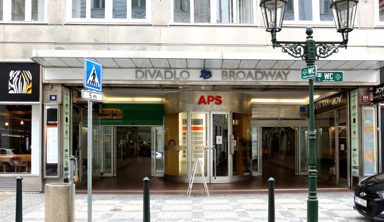 Palác Broadway jde do dražby. Do čtvrtka se bude dražit elektronicky
