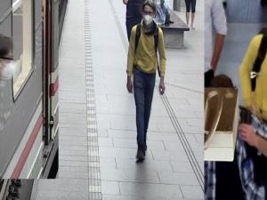 Muž chtěl ve vagonu metra znásilnit ženu. Pátrají po něm policisté