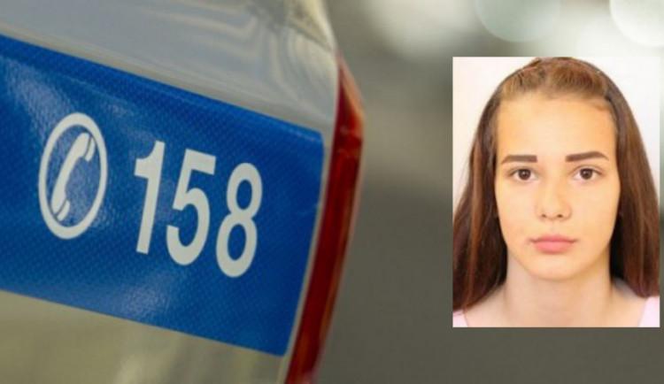 Policisté pátrají po šestnáctileté dívce již přes rok. Neviděli jste ji?