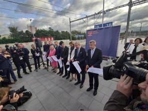 Praha má novou vlakovou stanici. Ode dneška se cestující svezou na Zahradní Město