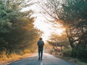 Výzva 10 tisíc kroků motivuje lidi k pohybu. Mohou se zúčastnit i virtuální poutě po Česku