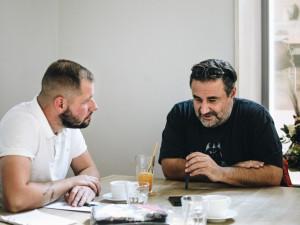 """Babiš chce vybudovat Orbánistán. Kdyby nefungovala """"antikampaň"""", má dnes čtyřicet procent, říká Michopulos"""