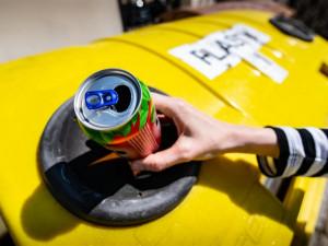 Kam s prázdnou nápojovou plechovkou? Třídění hliníku se může lišit město od města