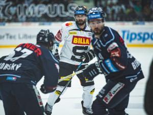Hokejisté Sparty rozdrtili Karlovy Vary 8:4