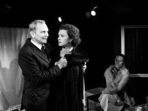 """""""Siréna s modrýma očima"""" navštívila Divadlo v Řeznické. Scéna uvedla premiéru hry o Almě Mahlerové"""