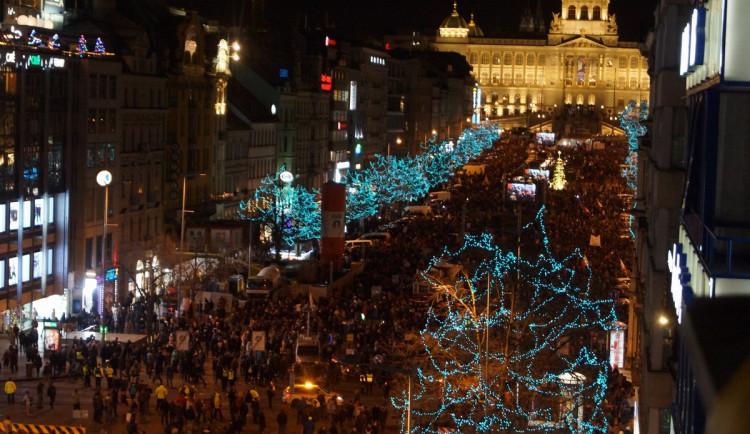 Demonstrace proti Babišovi se účastnilo 50 tisíc lidí. Za týden se akce bude opakovat