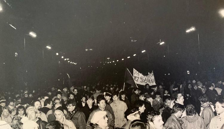 FOTOGALERIE: Listopad 1989 očima Richarda Beneše